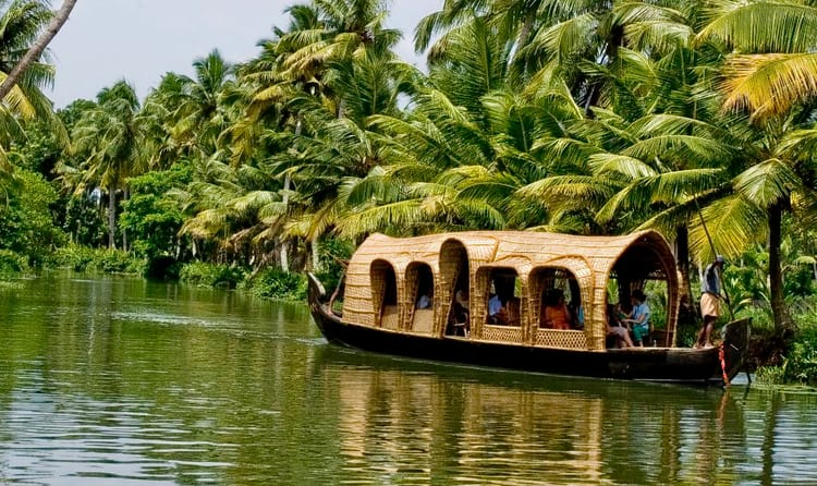 best experience on luxury tours india, cruising at kerela backwaters
