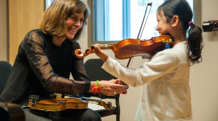 3 Advantages of learning private violin lessons