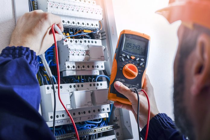 Factors To Determine While Hiring An Electrical Contractor