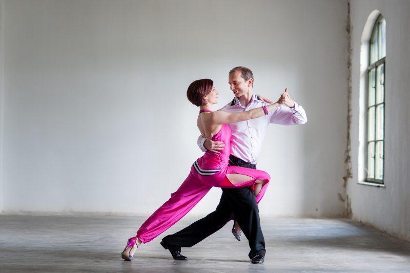 Five Major Reasons to Take Ballroom Dance Lessons