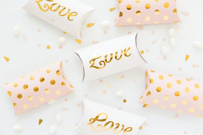 Pillow Boxes - Enticing Tactics for Effective Branding