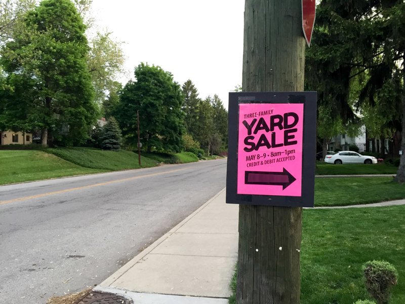 Yard Sale Signs Advertising
